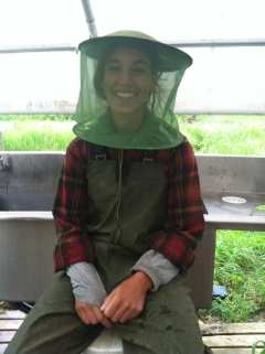 Apprentice Hannah Court knows that getting geared up in mosquito netting is sometimes the only sane way to make it through a buggy morning!